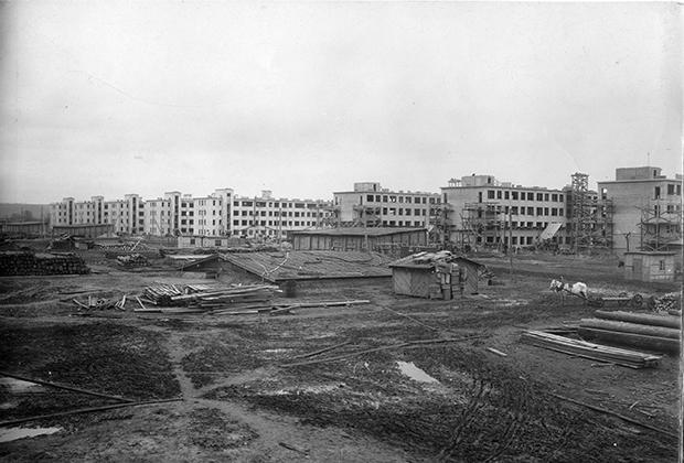 Автозаводский район Нижнего Новгорода начал строиться в 30-х годах ХХ века вместе с заводом