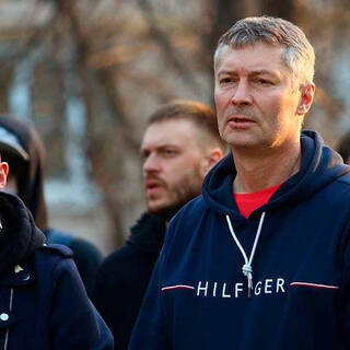 Евгений Ройзман (справа)