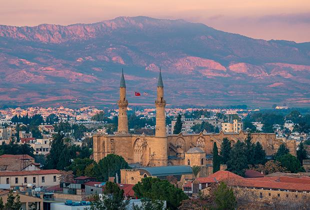 Кафедральный собор Святой Софии в Никосии