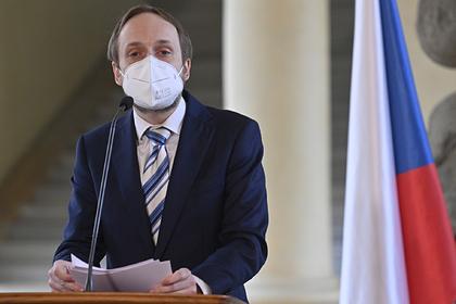 Чехия сократит число сотрудников российского посольства в Праге