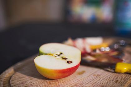 Врач рассказала о пользе яблок для предотвращения рака