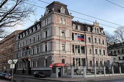 Литва и Латвия решили выслать российских дипломатов