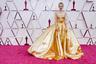 35-летняя актриса Кэри Маллиган, прославившаяся главными ролями в экранизации романа Фрэнсиса Скотта Фицджеральда «Великий Гэтсби» с Леонардо Ди Каприо и фильме Николаса Виндинга Рефна «Драйв», в этом году была номинирована как лучшая актриса за ленту «Девушка, подающая надежды». Это уже вторая номинация британской артистки на «Оскар» — в 2010-м она претендовала на премию за роль в мелодраме «Воспитание чувств».