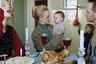 В серии «24/7» Эмми Америка вдохновляется легендой афроамериканской фотографии Кэрри Мэй Уимс, которая в своих знаменитых снимках из проекта «Кухонный стол» сумела в одном интерьере отразить целый спектр ролей, принимаемых и воплощаемых женщиной в домашней и социальной жизни. Эмми Америка, задействуя тот же принцип, взирает на культуру повседневности с нескрываемой иронией.