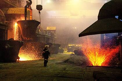 Обвинения в завышении цен обрушили акции металлургических гигантов