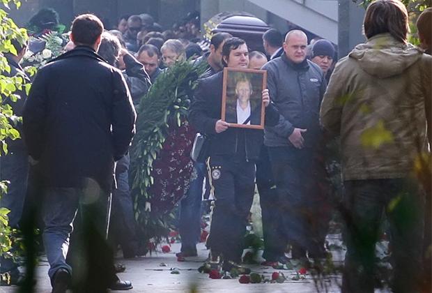 Похороны вора в законе Вячеслава Иванькова (Япончика)