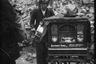 Уличный музыкант. Берлин, 1945 год.  Фото: Cэм Джаффе / частная коллекция Артура Бондаря