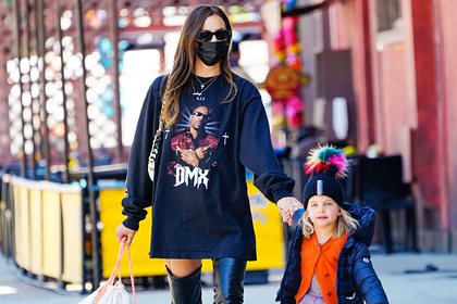 Ирина Шейк с дочерью