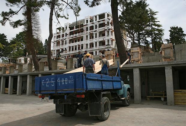 Реконструкция одного из старейших санаториев Сочи «Кавказская Ривьера», 2010 год