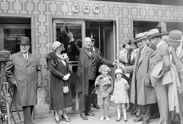 Бывший губернатор штата Нью-Йорк Альфред Смит на открытии Эмпайр-стейт-билдинг