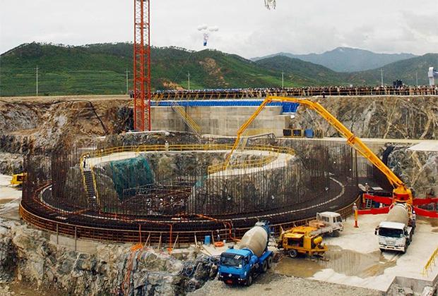 Строительство реактора в КНДР при помощи КЕДО, 2002 год