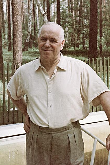 Маршал Советского Союза Георгий Жуков на даче, 1 июля 1970 года