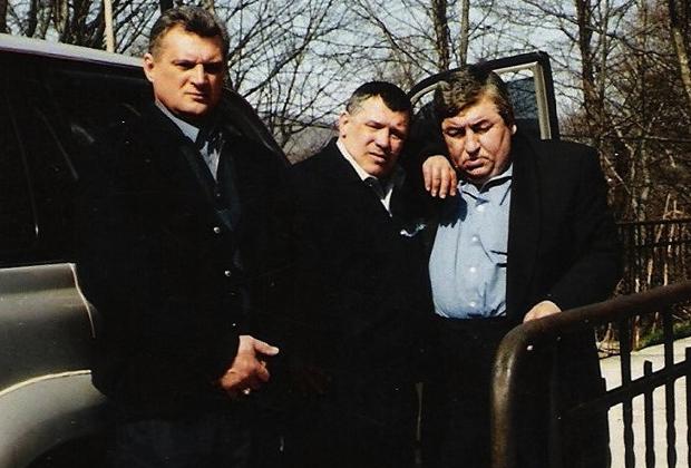Юрий Тишенков (в центре) и Датико Цихелашвили (Дато Ташкентский, справа)
