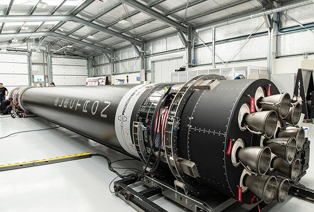 Ракета Electron в сборочном цехе