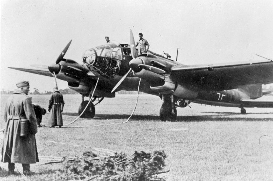 Немецкий бомбардировщик Heinkel He 111