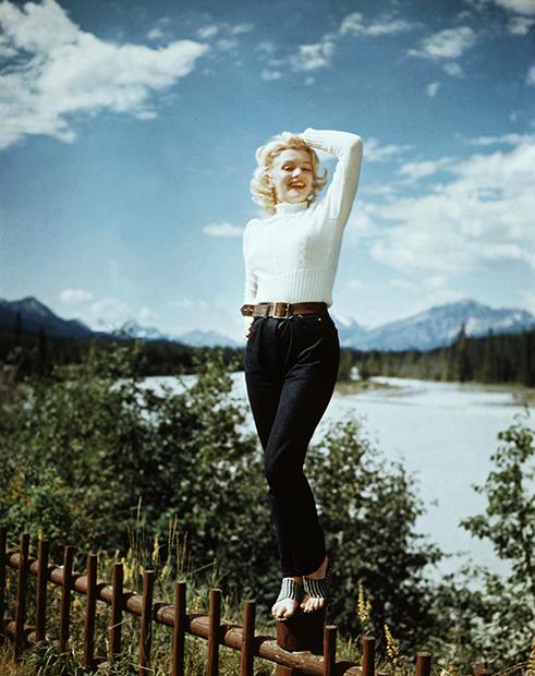 Мэрилин Монро в джинсах с высокой посадкой, 1954 год