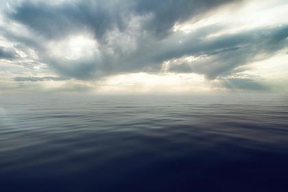 Трое рыбаков погибли и трое пропали во время шторма в Баренцевом море