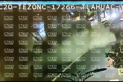 Момент крушения моста в Мехико попал на видео