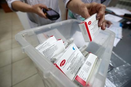 «Вектор» начал испытания трехкратной вакцинации «ЭпиВакКороной»