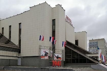 В российском городе на центральной площади появились «флаги Франции»