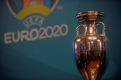 Иностранных болельщиков пустят на матчи Евро в Петербург