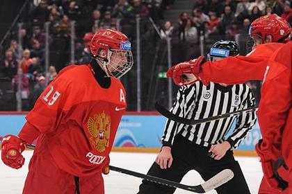 Матвей Мичков (слева)