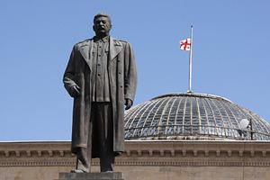 Памятник Сталину в Гори в 2008 году