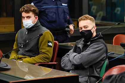 Хотевшие купить запрещенные вещества туристы убили полицейского и сели в тюрьму
