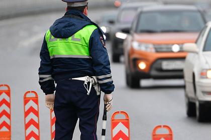 Машина въехала в толпу пешеходов в Екатеринбурге