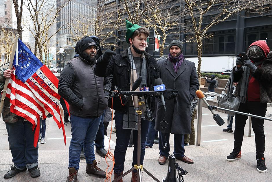 Протест против действий хедж-фондов перенесся на улицы Нью-Йорка