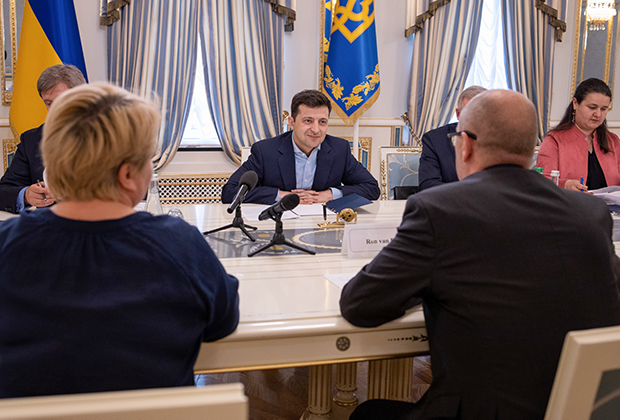 Президент Украины Владимир Зеленский на встрече с представителями МВФ, 28 мая 2019 года