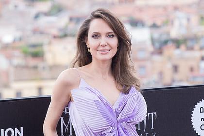 Анджелина Джоли призналась в отсутствии любовников после разрыва с Брэдом Питтом