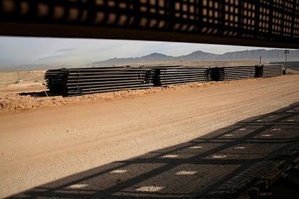 США продолжат огораживаться от мигрантов из Мексики