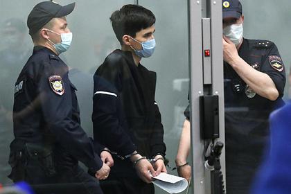 Напавший на школу в Казани предлагал одноклассникам сжечь завуча