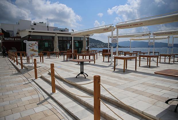 Закрытое кафе в турецкой Мугле