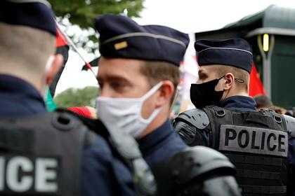 Макрону написали третье письмо о провале ситуации с безопасностью во Франции