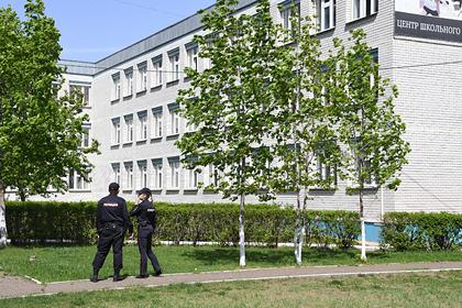 В принявшей учеников гимназии Казани школе усилили охрану бойцами Росгвардии