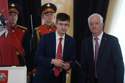 Павел Тарасов (слева)