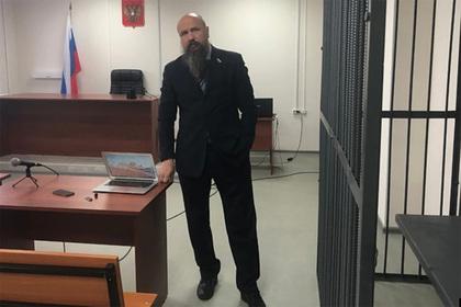 Российского журналиста обвинили в распространении порно и приговорили к колонии