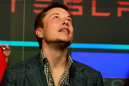 Илон Маск опустился на третью строчку в списке богатейших людей