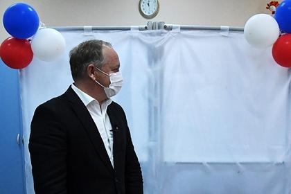 Мэр Владивостока решил уйти в отставку после совета вице-премьера