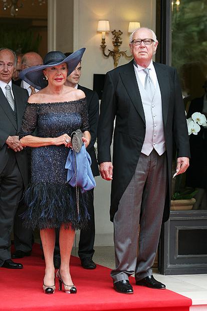 Принц Неаполитанский Виктор Эммануил и его жена Марина отправляются на свадьбу принца Монако Альберта II, 2 июля 2011 года