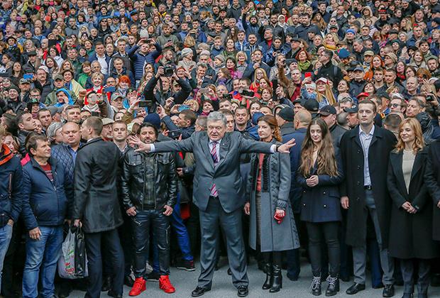 Петр Порошенко реагирует на неудачную попытку провести дебаты с Зеленским, апрель 2019 года