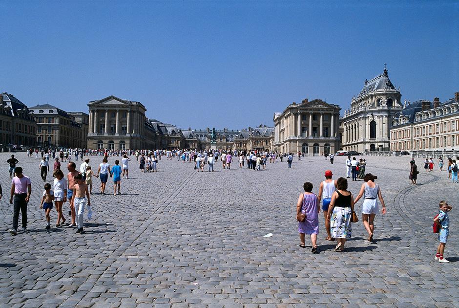 Париж, 1988 год