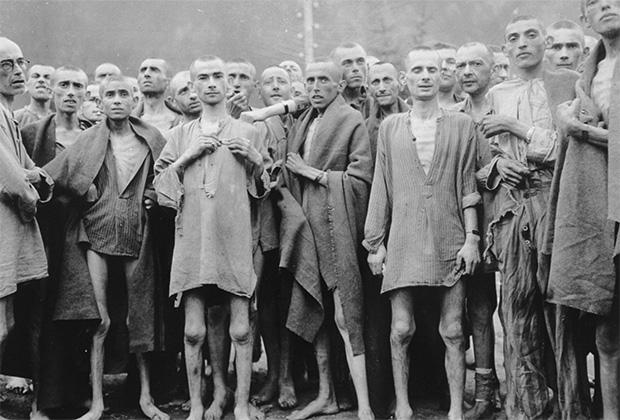 Заключенные во время освобождения лагеря Эбензее