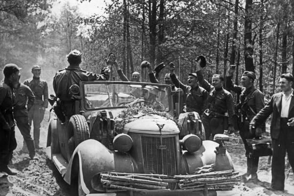 Литовские солдаты Красной армии дезертировали после нападения Германии на СССР в июне 1941 года