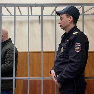 Александр Краковский (слева)