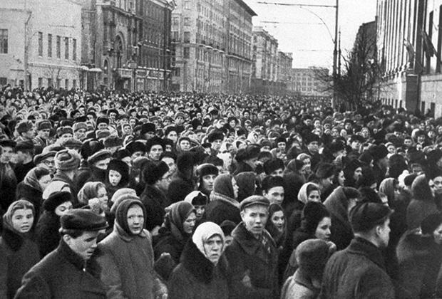 9 марта 1953 года. В день похорон И.В. Сталина на улицах Москвы