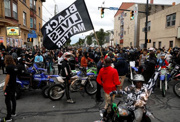 Акция протеста BLM в Рочестере, штат Нью-Йорк