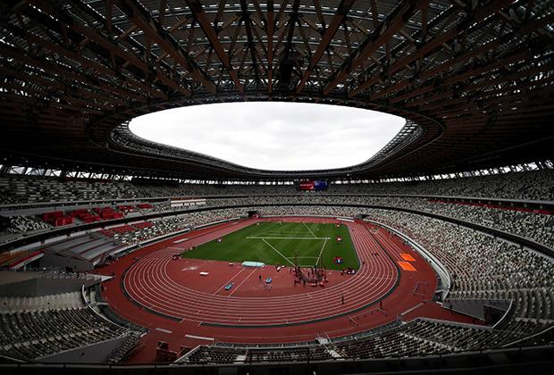 Японский национальный стадион, где должно состояться открытие Олимпийских игр